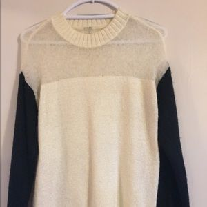 Guess Light weight black and cream knitted sweater